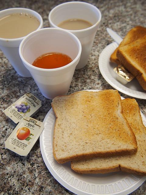 トラベロッジの朝食