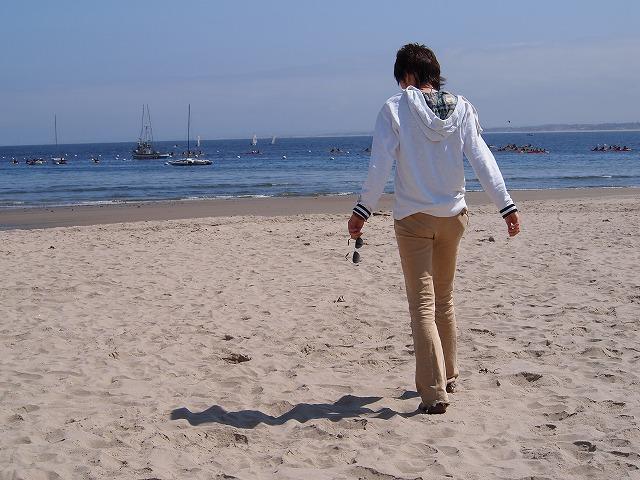 モントレーの白い砂浜