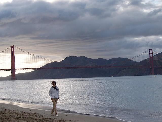 マリーナの海岸を散歩