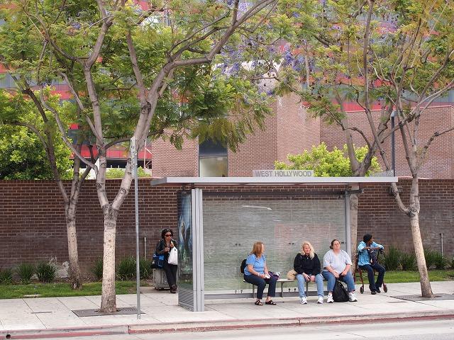 ウエストハリウッドのバス停