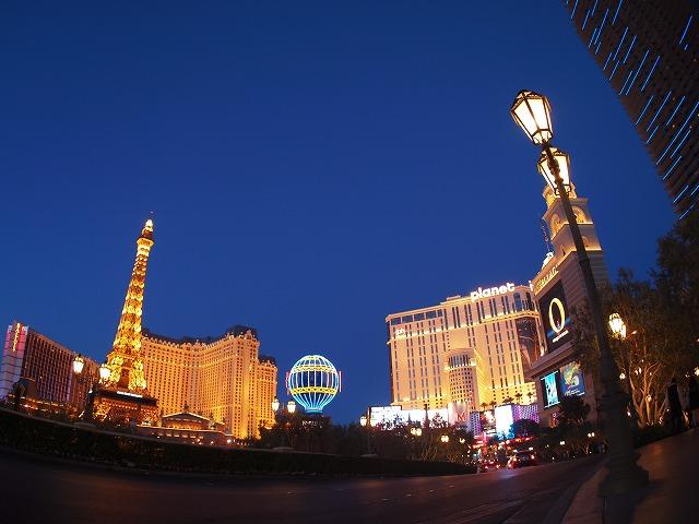 ラスベガスの夜景、パリスとプラネットハリウッド