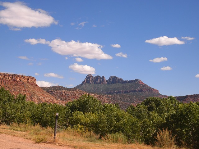 青空と岩山