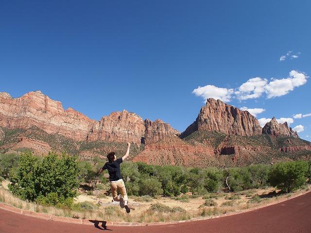 大きな岩山へジャンプ2