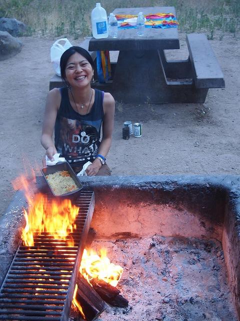 キャンプで焚き火ラーメン
