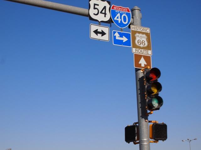 ルート66とインターステート40の標識